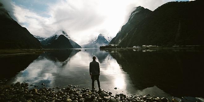 Čovek na jezeru
