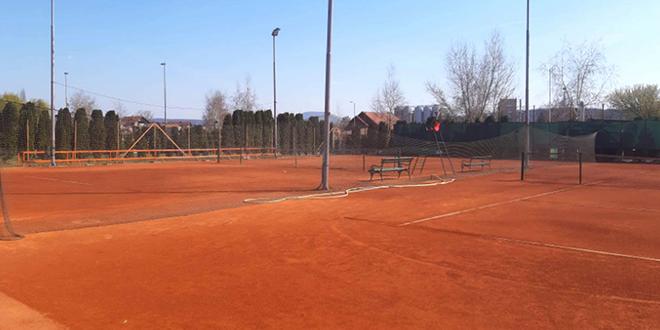 Teniski tereni na Popovoj plaži