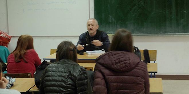 """Priređena promocija književnog dela Tiodora Rosića u osnovnoj školi """"Ljuba Nešić"""" Zaječar"""