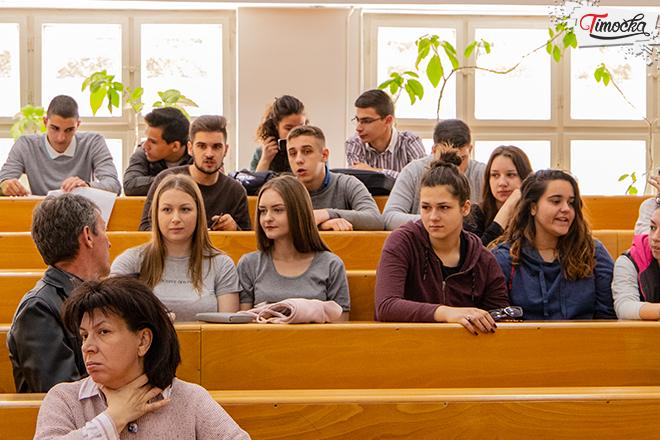 """""""Студија случаја"""" на Факултету за менаџмент у Зајечару"""