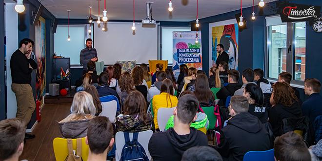 Predstavnici Krovne organizacije mladih Srbije razgovarali sa zaječarskim srednjoškolcima