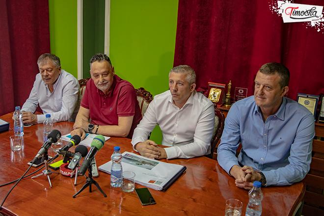 Председник Фудбалског савеза Србије Славиша Kокеза у посети Зајечару