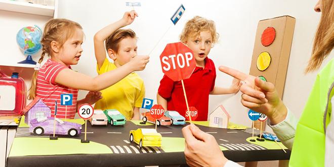 Деца уче о безбедности у саобраћају