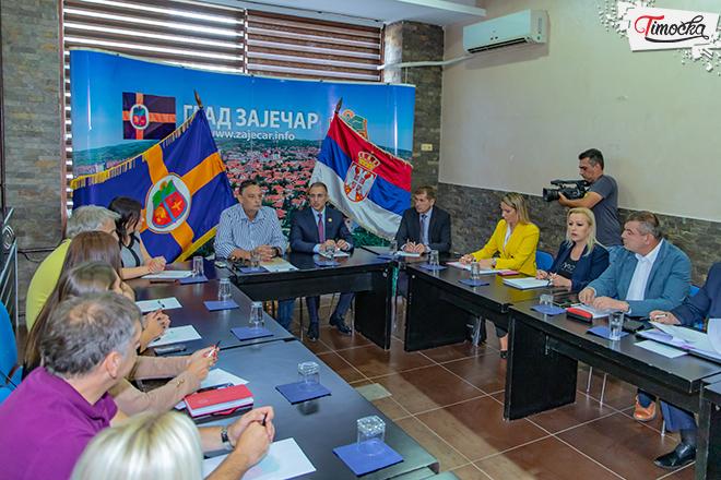 Министар Небојша Стефановић у посети Градској управи у Зајечару