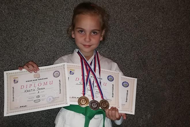 """Sara Krstić — Dve zlatne i jedna srebrna medalja na karate turniru """"Toplica open 2019"""" u Prokuplju"""