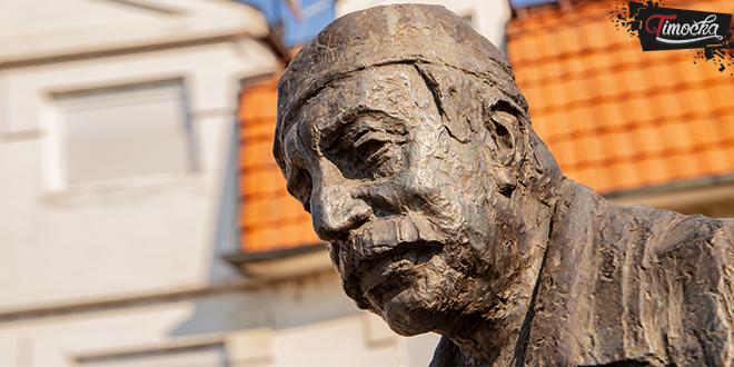 Споменик Зорану Радмиловићу у Зајечару