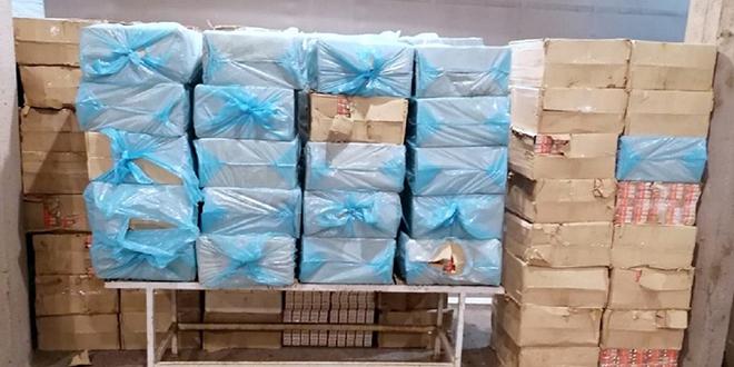 """Цариници и полицајци спречили кријумчарење боксова цигарета на граничном прелазу """"Ђердап"""""""