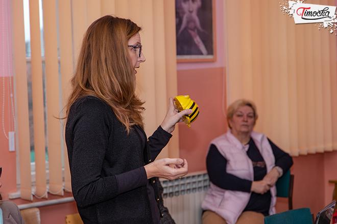 """""""Fond B92"""" — Donacija podnih robota u obliku pčela ŠOSO """"Jelena Majstorović"""" Zaječar"""