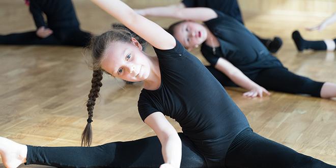 Деца раде гимнастику