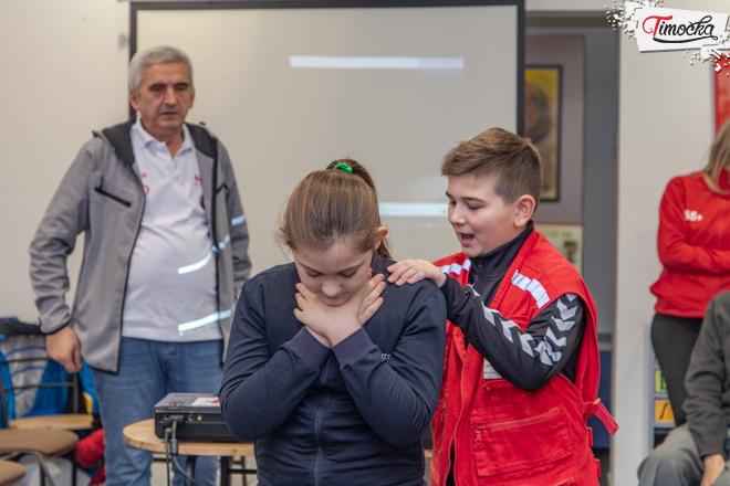 Клуб старих 65+ Зајечар — Серија предавања из прве помоћи