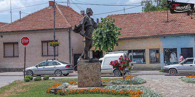 Spomenik Hajduk Veljku Petroviću u Zaječaru