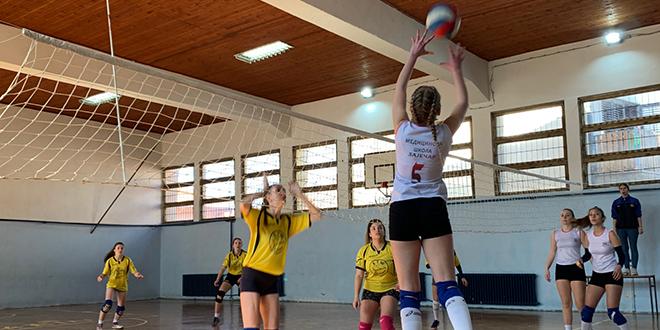 Градско такмичење у одбојци за средњошколце у Зајечару