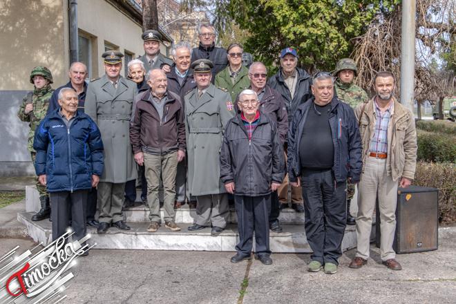 Polaganje venaca povodom Dana formiranja 9. srpske udarne brigade u zaječarskoj kasarni