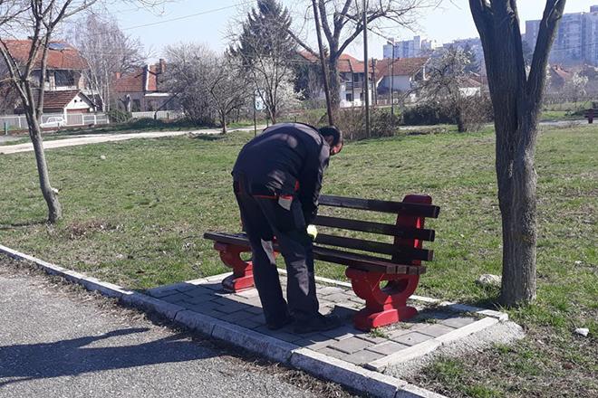 Sanacija klupa na Kraljevici u Zaječaru