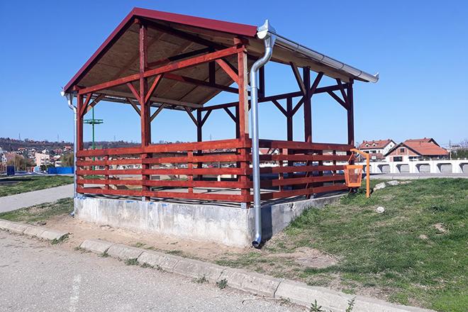 Nadstrešnica na Popovoj plaži u Zaječaru