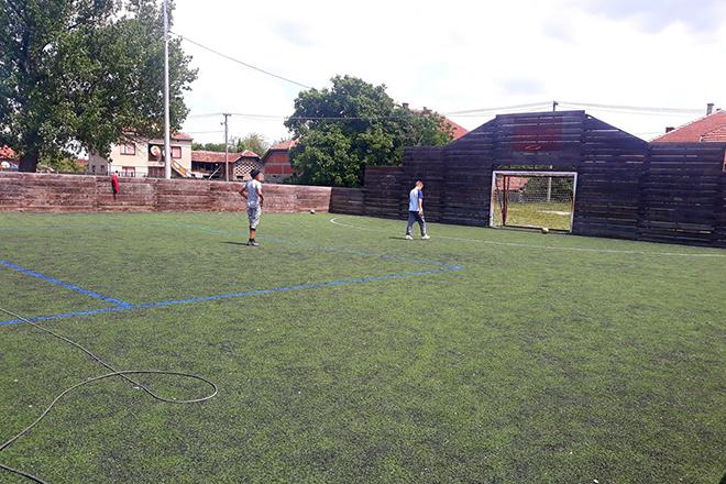 Уређење спортског терена у Грљану