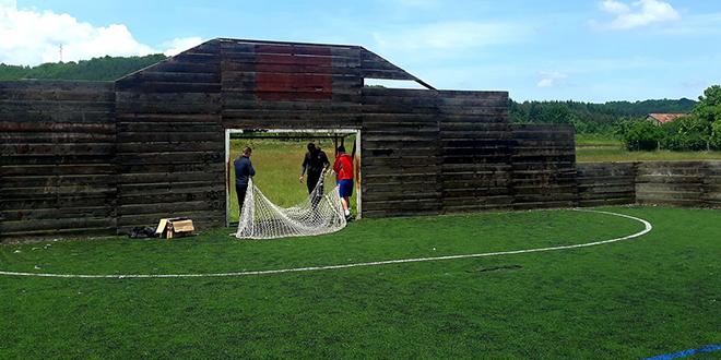 Uređenje sportskog terena u Grljanu