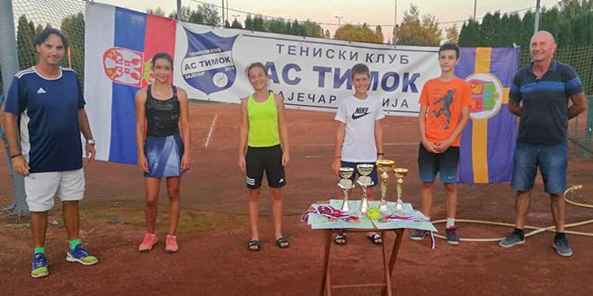 """Teniski turnir """"OP Zaječara – AS Timok"""" za takmičare do 14 godina"""
