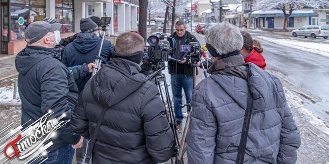 Dr Nenad Ristović vratio medalju Vučić — Pres-konferencija