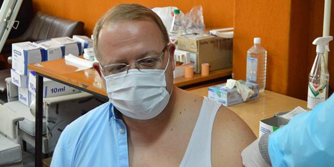 Gradonačelnik Bora Aleksandar Milikić primio vakcinu